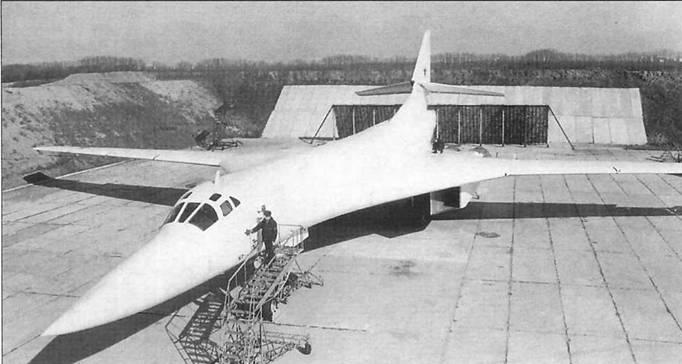 """Вторая жизнь """"Белого лебедя"""" - Ту-160 стремится в космос"""